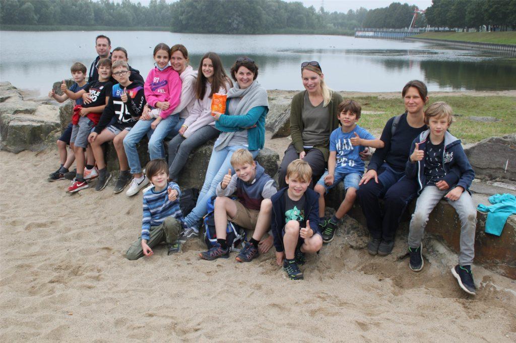 Eine Reisegruppe aus dem Umland schaute am Samstag auf eine Stippvisite am Horstmarer See vorbei.