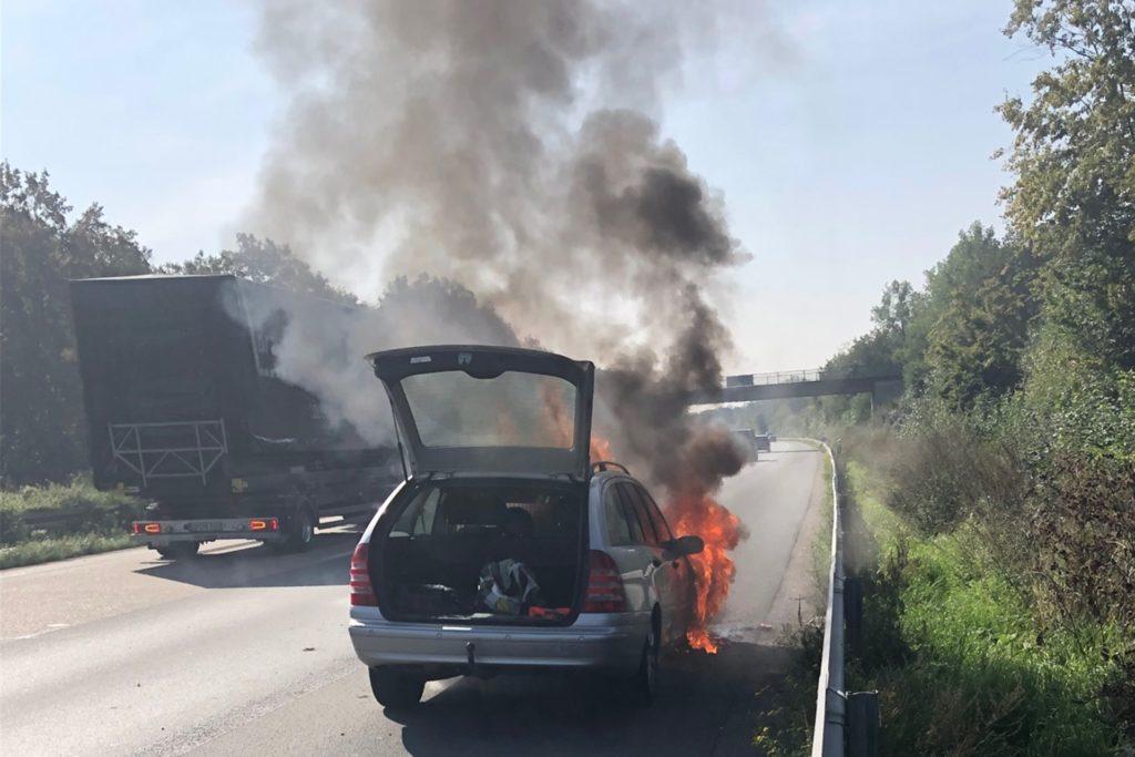 Die Rauchentwicklung war so stark, dass die Feuerwehr diese schon auf der Autobahnauffahrt sehen konnte.