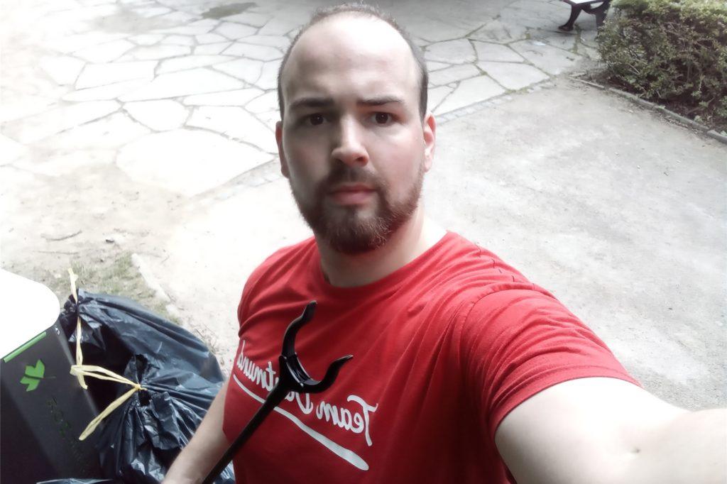 Sebastian Otten sammelt schon seit Juli im Rombergpark Müll.