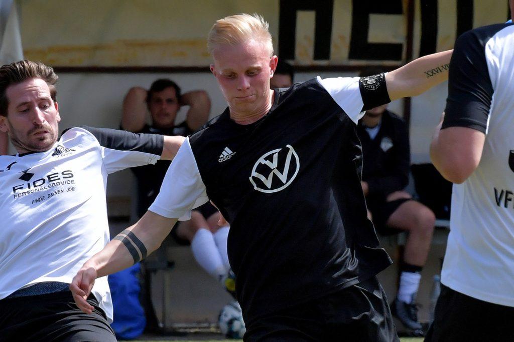 Jannik Klage und der SV Preußen Lünen blieben gegen den FC Wellinghofen ohne Chance.