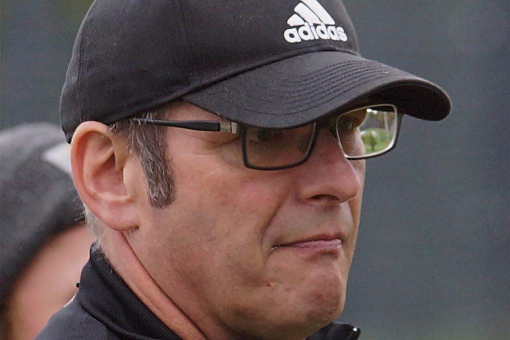 SVB-Co-Trainer Ullrich Neuhaus wäre mit einem Zähler im Derby zufrieden.