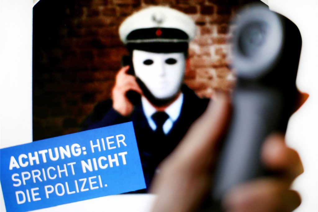 Anrufe falscher Polizisten gehören zu den häufigsten Betrugsmaschen bei Senioren