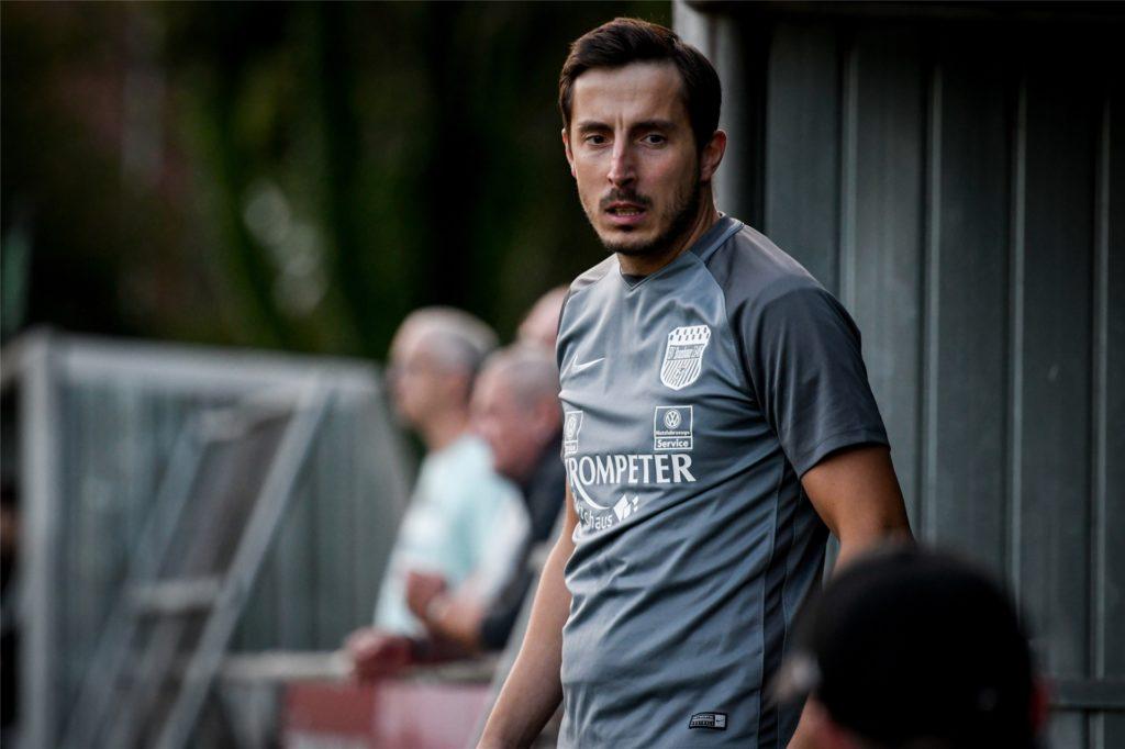 Co-Trainer Dennis Köse lässt sich durch die aktuelle Tabellenlage des BV Brambauer noch nicht aus der Ruhe bringen.