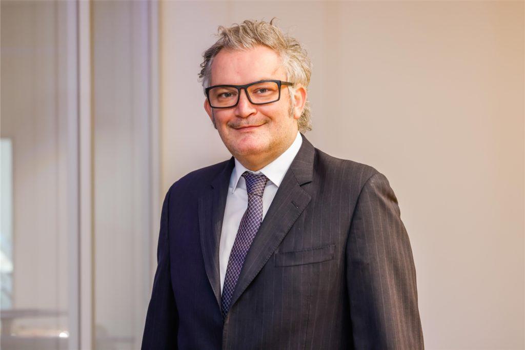 Cityring-Vorsitzender Tobias Heitmann spricht mit Blick auf die Baustellen am Wall von einer