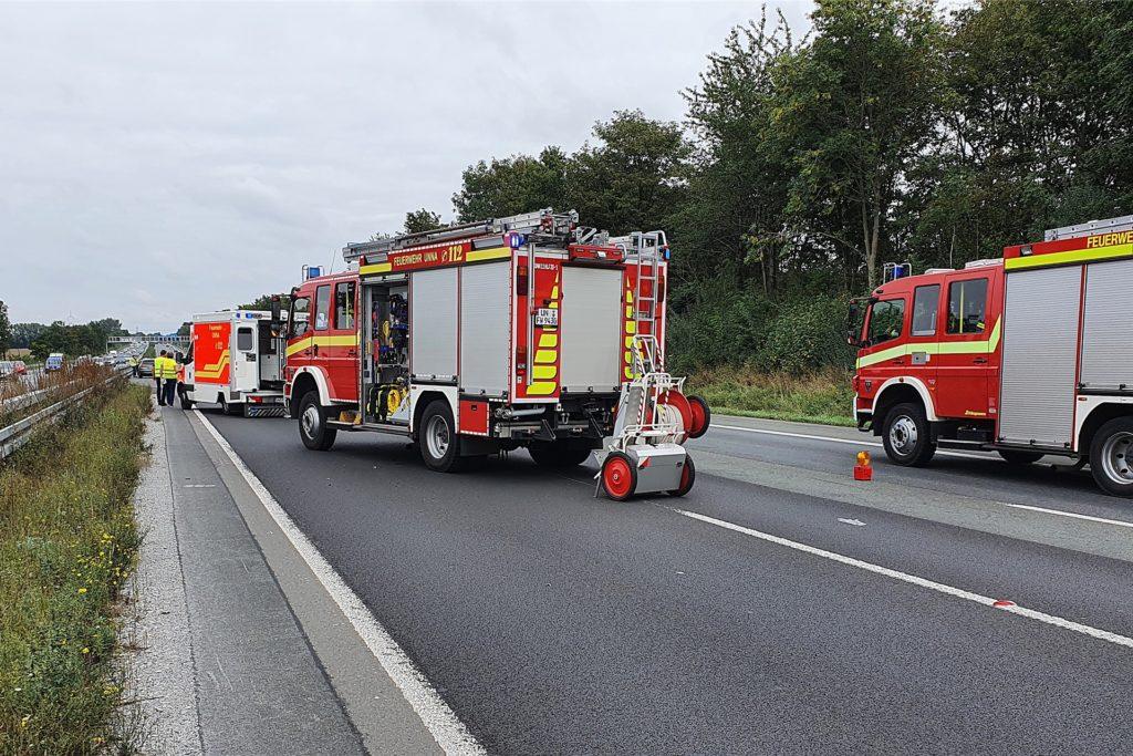 Die Feuerwehr musste mit mehreren Einsatzfahrzeugen ausrücken.