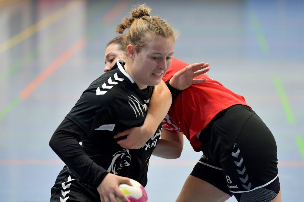 Die Handball-Damen des Lüner SV lagen zur Halbzeit bereits mit zehn Toren zurück.