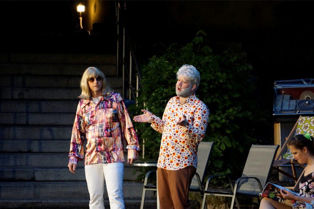 """Das Stück """"Schlager lügen nicht"""" sahen die Zuschauer 2019 in der Freilichtbühne Werne. Das Folge-Stück """"Schlager, Stars und deutsche Welle"""" möchten die Mitglieder in der kommenden Saison auf der Bühne zeigen."""