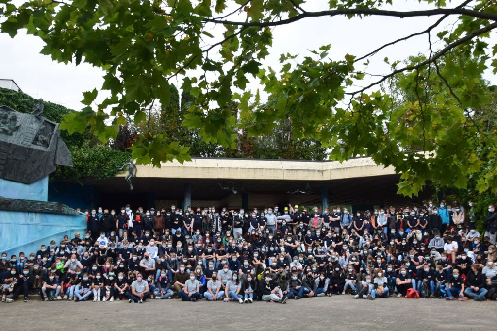 Schüler und Lehrer haben den Tag im Zoo sehr genossen.