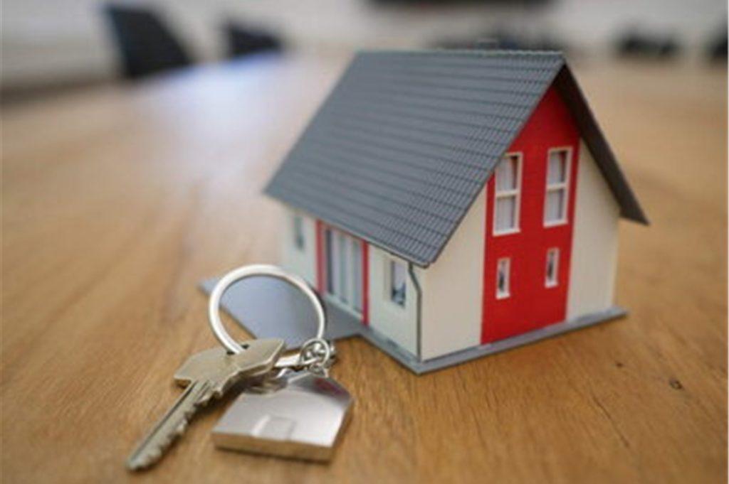 Der Weg ins Eigenheim kann für junge Familien in Heek auch über den geförderten Kauf einer Altimmobilie gelingen.