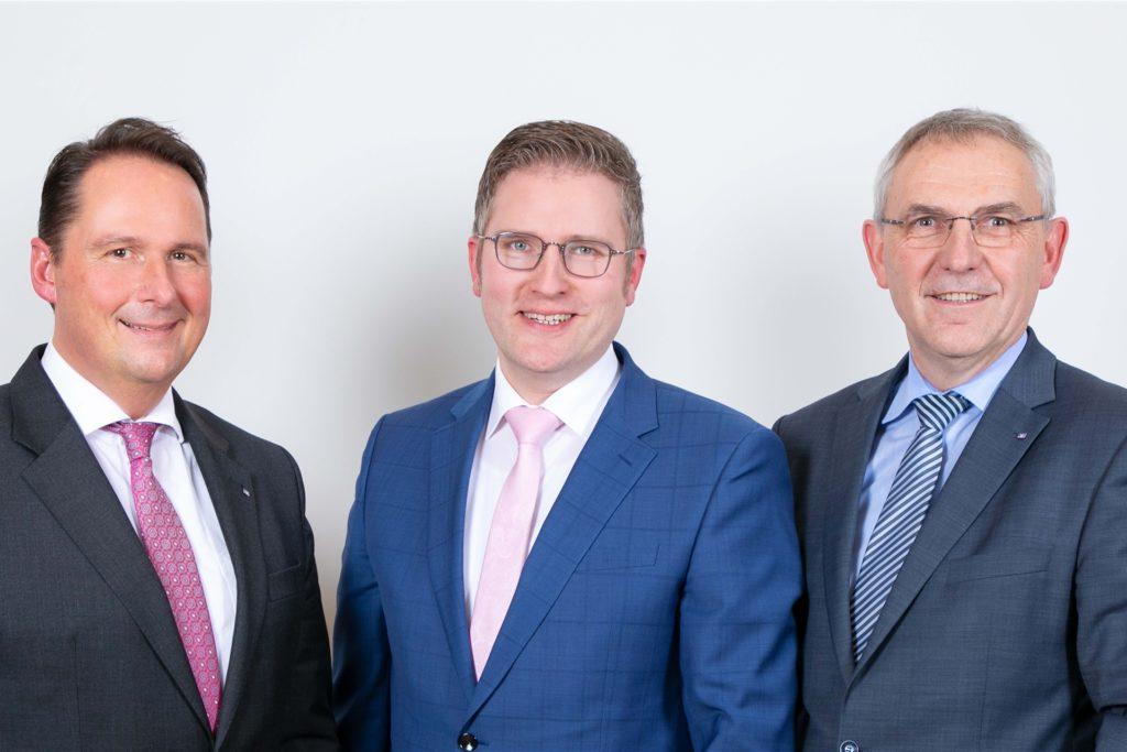 Die Vorstände der Volksbank Südmünsterland-Mitte (v.l.): Marcus W. Leiendecker, Henning Henke und Berthold Stegemann.