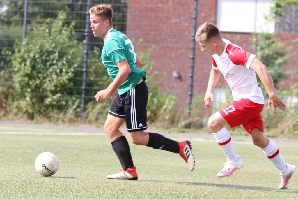 Robin Selbstaedt (l.) steht GS Cappenberg gegen den Kamener SC wieder zur Verfügung.