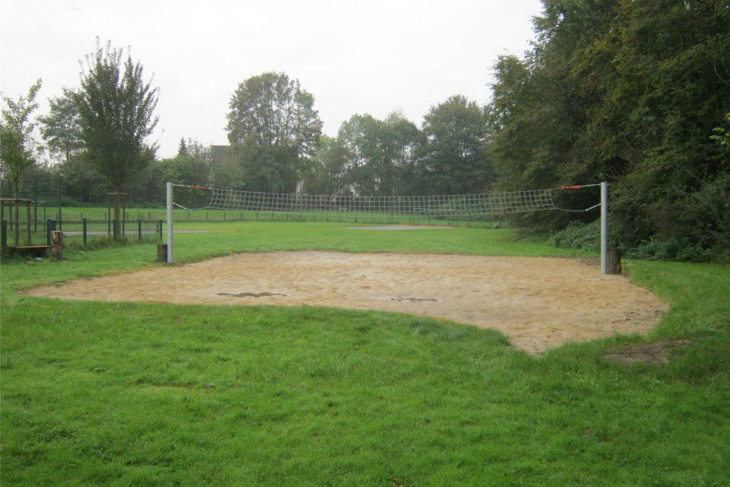 Das Volleyball-Feld am Hallenbad.