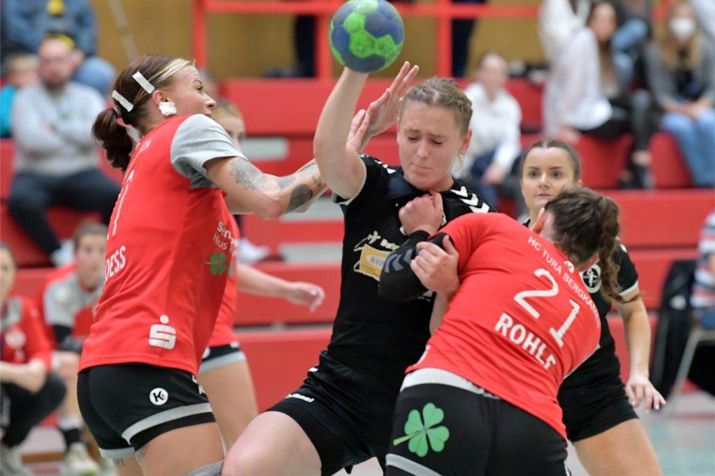 Zur Pause lagen die VfL-Damen noch mit vier Toren in Führung.