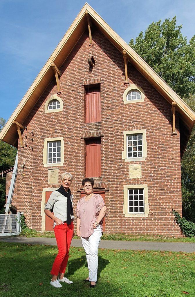 Verpächterin Christel Kock (v.l) zusammen mit neue Pächterin Bianca Jugel.